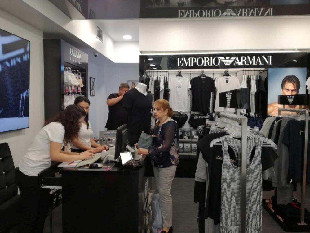 Рекорден брой посетители в магазина на Emporio Armani Underwear още в деня на откриването му