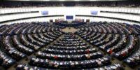 Евродепутатите върнаха реалността взелите се за богоподобни евролидери